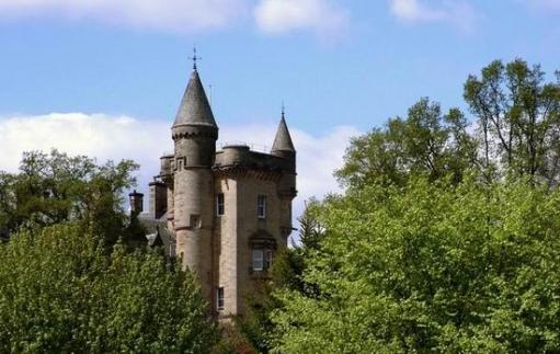 Замки, дворцы, крепости.