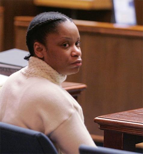 Женщина заживо спалившая свое дитя приговорена к пожизненому сроку.
