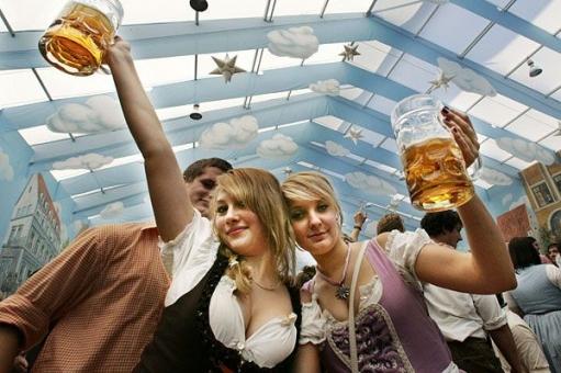 Праздник пива Oktoberfest в Мюнхене