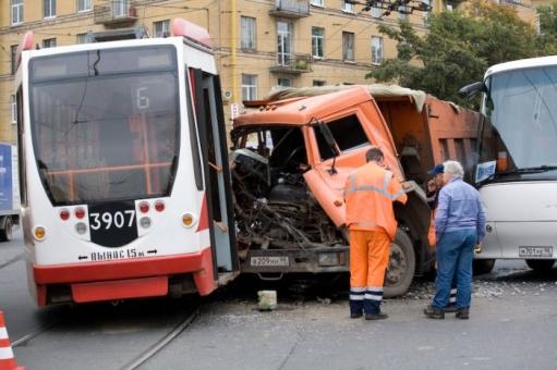 У трамваев появляються признаки бронепоездов.. мистика...