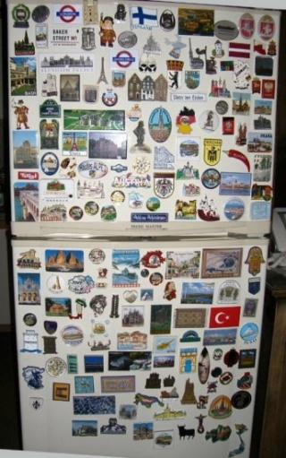 Украшая холодильник не перегните палку xD