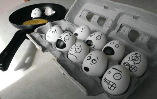 Нечего делать? - раскрасте яйца =) море позитива гарантировано!