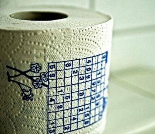 Экономим совмещая затраты на буклеты с судоку и туалетную бумагу :D