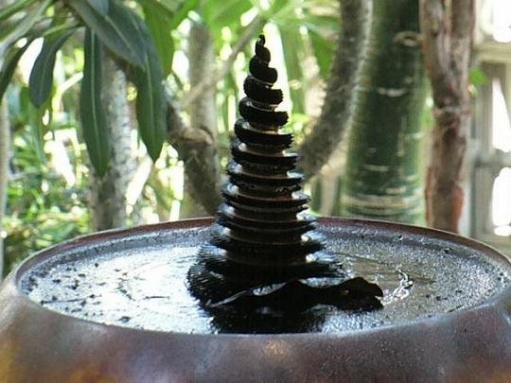 Потрясающая елка из жидкого металла
