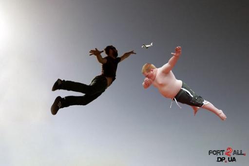 Фотожабы на летящего пацана