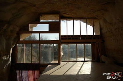 Продается дом в скале или дом в пещере)