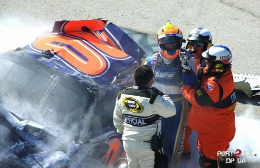 Фото NASCAR. Фото аварий на гонках NASCAR. Гонки NASCAR.