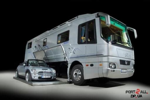 Автобус - мечта путешественника и экстремала
