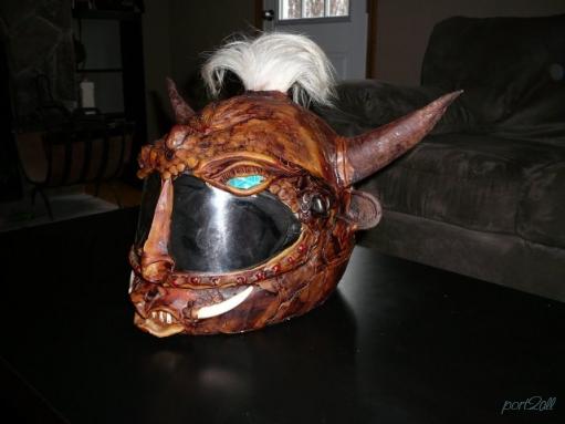 Необычные, странные мотоциклетные шлемы (34 фото)
