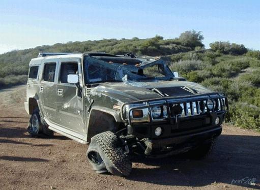 Фото из дтп с Hummer'ами.
