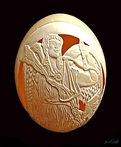Резьма по стаусиным яйцам