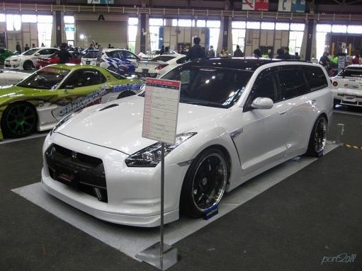 Nissan GTR - теперь как универсал...