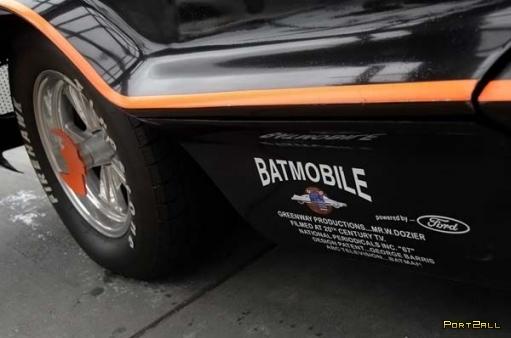 В Калифорнии засветился оригинальный Бэтмобиль