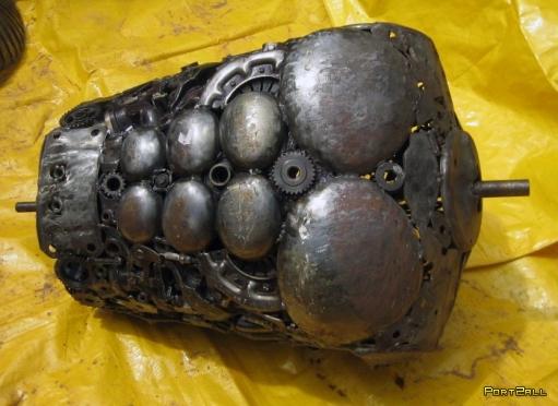 Чудища и просто поделки из металлолома