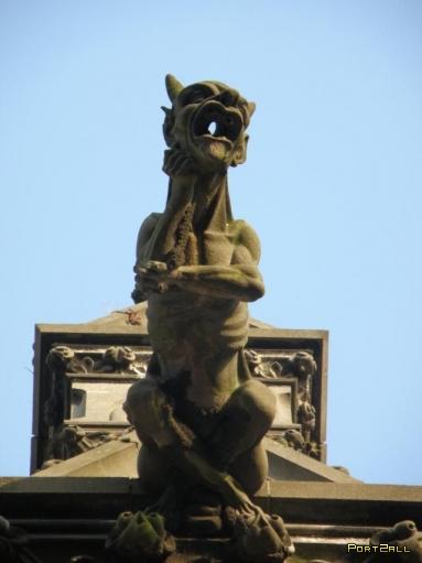 Искуcство на зданиях - скульптуры (28 фото)
