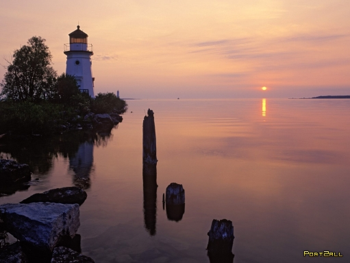 Красочные обои с маяками 1600x1200
