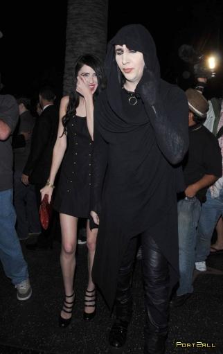 Мэрилин Мэнсон и его новая девушка (6 Фото)
