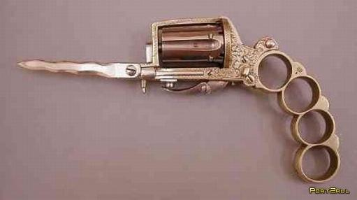 """Все в одном или """"пистолет, кастет и нож""""."""