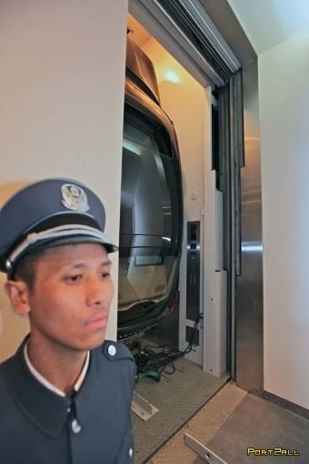 Porshe покатали на лифте!