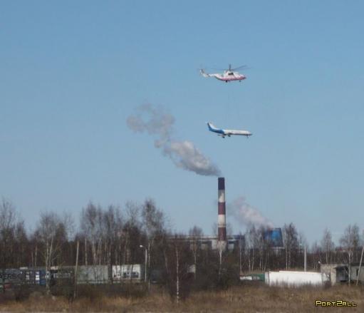 Мощный вертолёт  учения МЧС России под Санкт-Петербургом