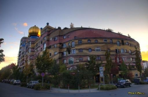 Waldspirale - удивительное здание в германии, город Дармштадте.