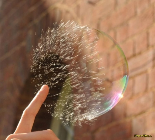 """Фото: как лопаеться мыльный пузырь + Видео """"Как лопается мыльный пузырь - 10000 кадров в секунду""""!"""