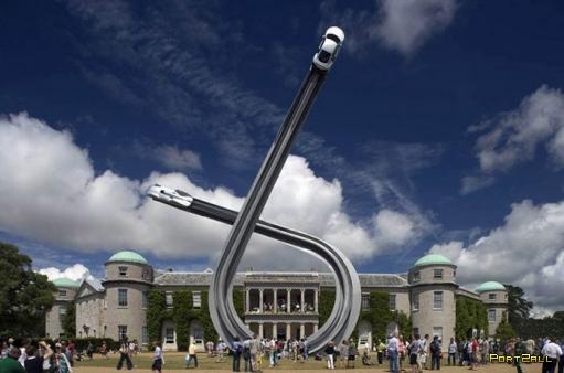 Потрясающая воображение скульптура к столетию компании Audi (10 фотографий)