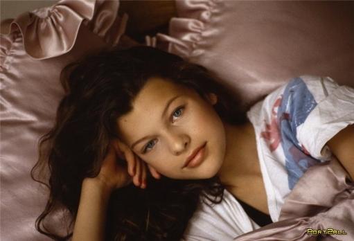 Милла Йовович в 13 лет (1988 год) Фото Миллы Йовович в 13 лет.