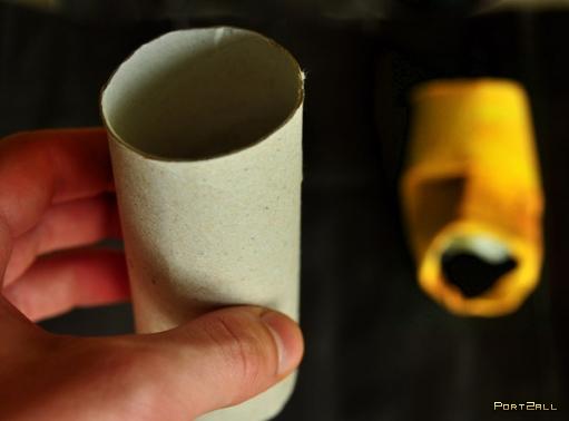 Хобби - создание лиц из основы рулонов туалетной бумаги.