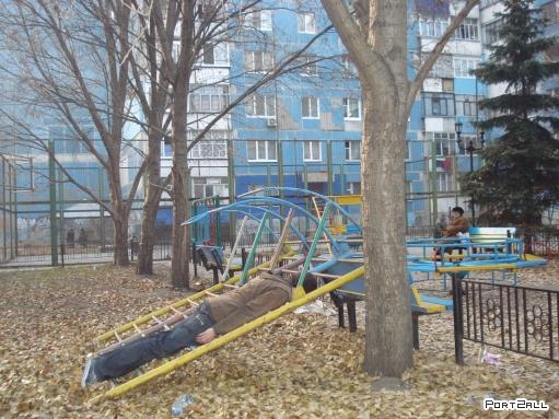 """Фотки """"Лицом вниз"""" в Днепропетровске от @HIMixoid'a   The Lying Down Game   Планкинг"""