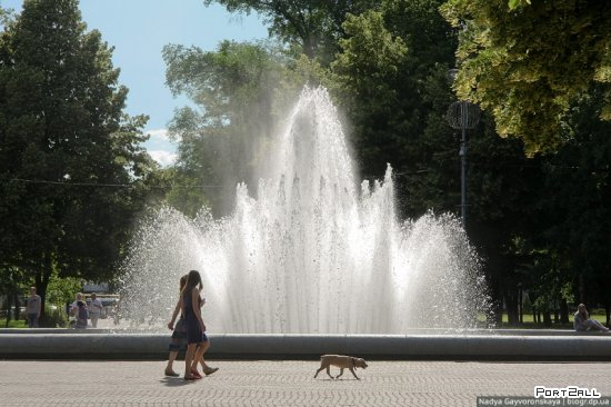Фонтаны Днепропетровска: Лилия | Фонтан на сквере им. Ленина