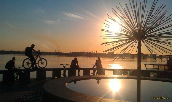 #велоночь 2012 #велодерево :D | Утро в Днепропетровске 2 | Рассвет в #dnepr (Фото с мобильного) | НаInstagram'леное