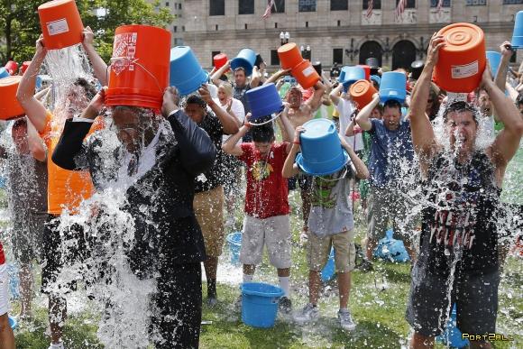 """""""Вызов ледяного ведра"""", фэйлы. ALS Ice Bucket Challenge Fails Compilation"""
